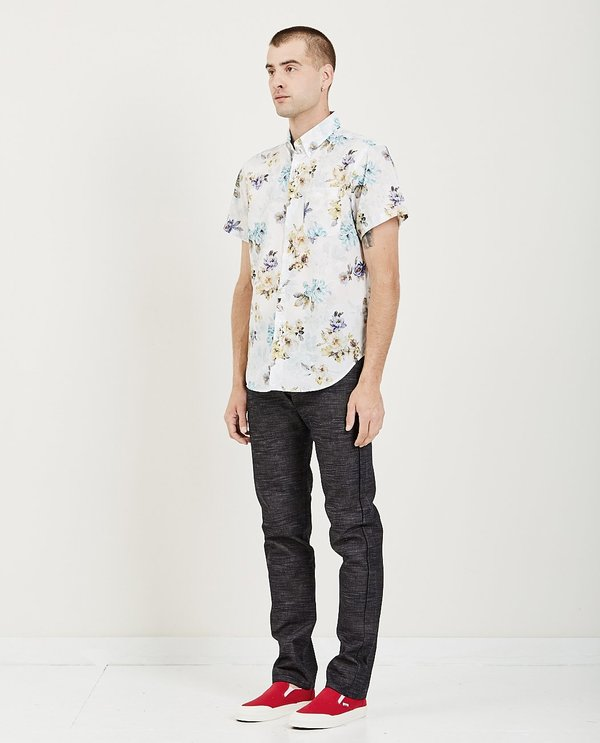 Naked & Famous SHORT SLEEVE FLOWERS PAINTING EASY SHIRT - WHITE