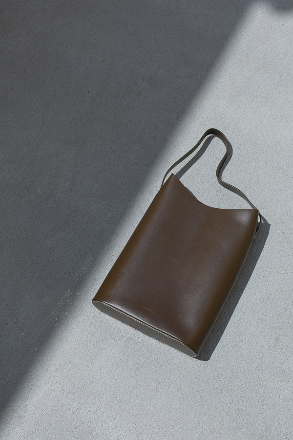BUILDING BLOCK WAVE TOTE - DARK CHOCOLATE
