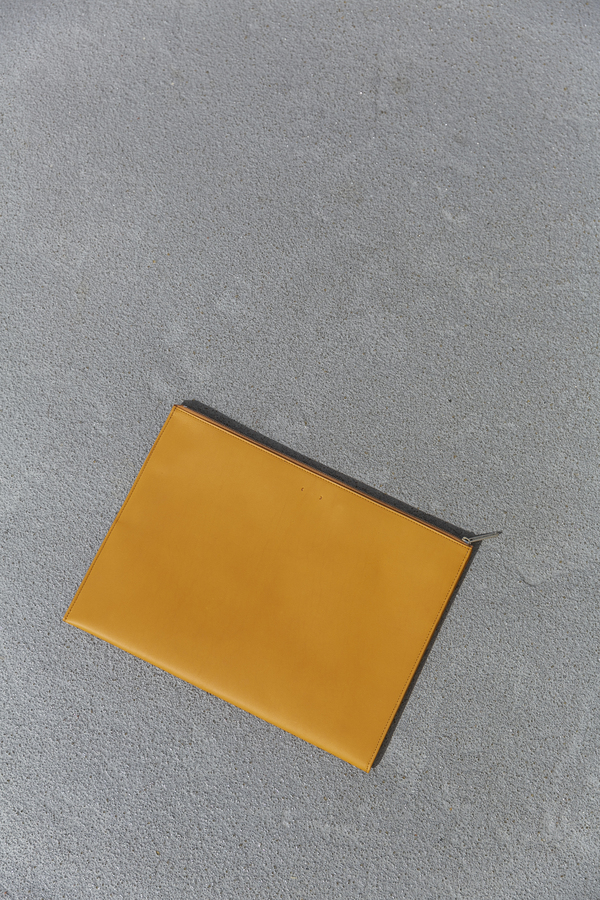 PB 0110 CM19 IPAD CASE - LIGHT TAN