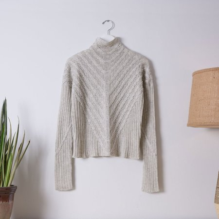 Good Omen NYC Plated Cable Pullover - Ivory/Light Grey