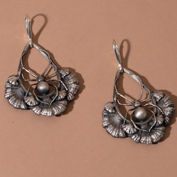 Theeth Spider Gill Mushroom Earrings - STERLING SILVER
