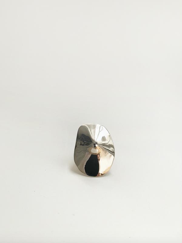 Julie Thevenot SMALL ARAPED RING - WHITE BRONZE