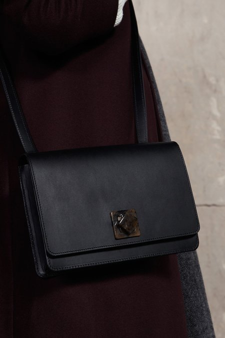 The Stowe Evelyn Lock bag - Black Nappa