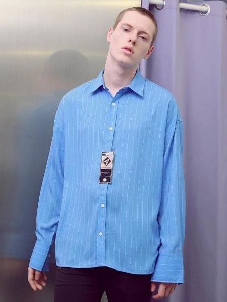 UNISEX ANOUTFIT STRIPE PRINTING SHIRT - SKY BLUE