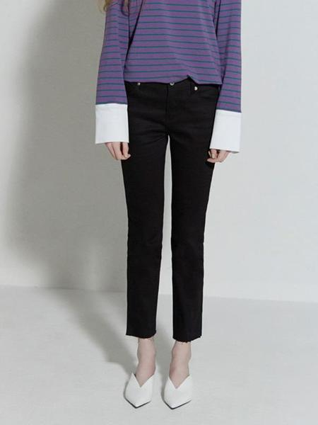 CLUE DE CLARE Reworked Pocket Jeans - Black