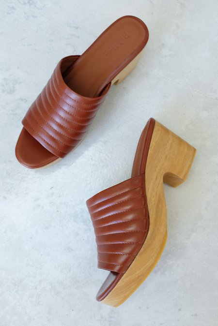 Beklina Ribbed Clog Open Toe - Wet Clay