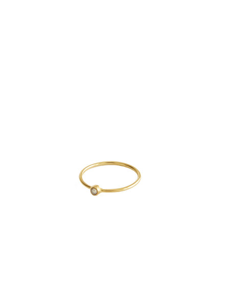 MIMI ET TOI Petite Pierre Pearl Ring - 18K Gold Plated Brass