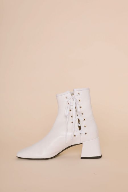 Suzanne Rae Lady Boot - White