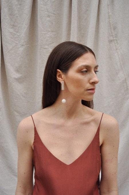 iuo Solid Earrings - Rose Quartz