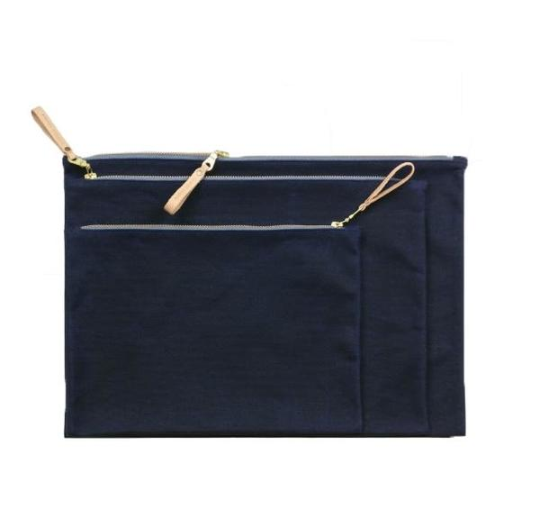 Winter Session WAXED CANVAS ZIP FOLIO - NAVY