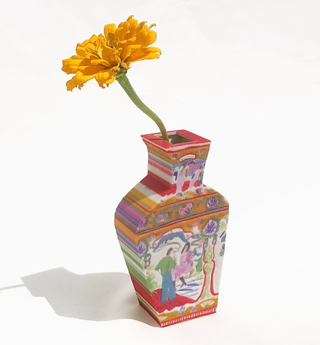 The Begonia Vase by Joey Yu x Unique Board