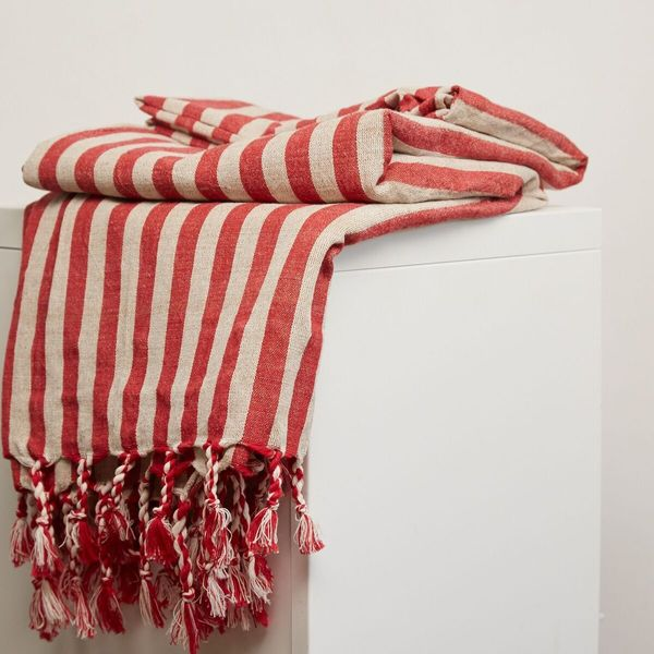 Oddbird Sinoh Handwoven Linen Towel - Crimson