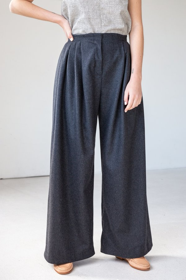 Lois Hazel Pleat Pant - Charcoal