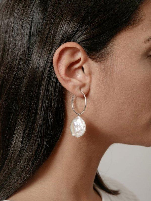 Wolf Circus Pearl Hoop Earring - Silver