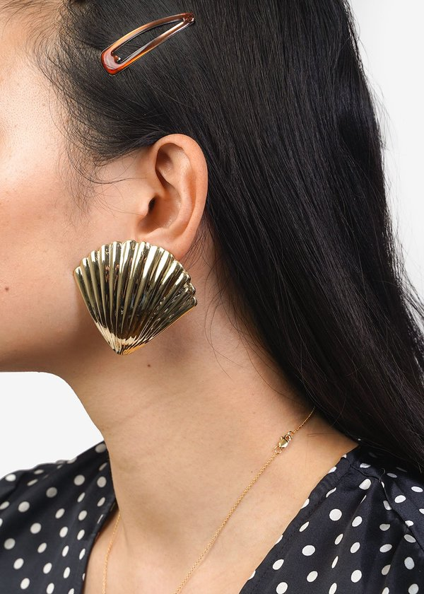 Luiny Concha Earrings - Brass
