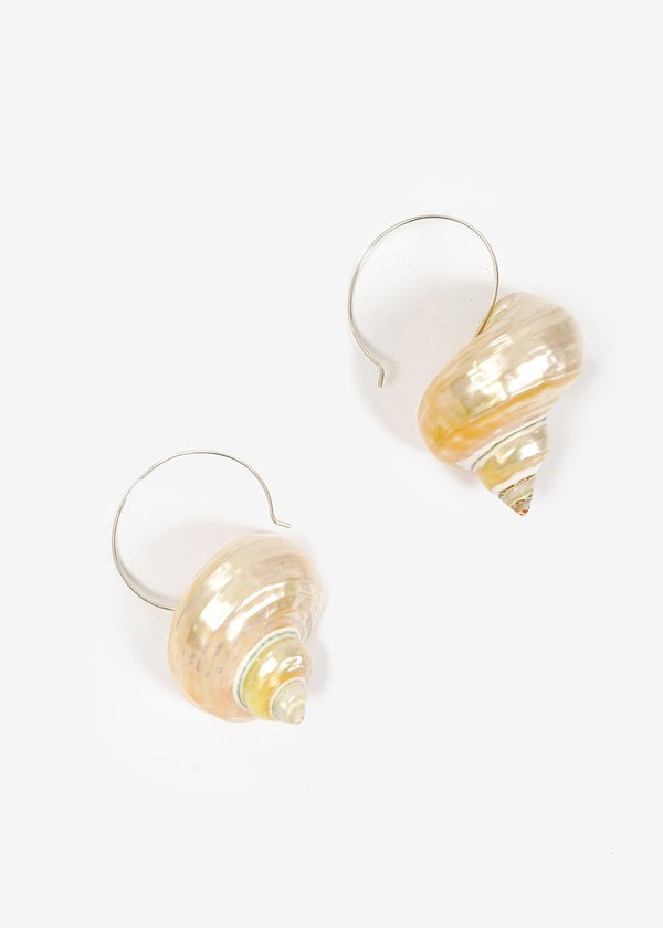 Luiny Turbo Shell Earrings