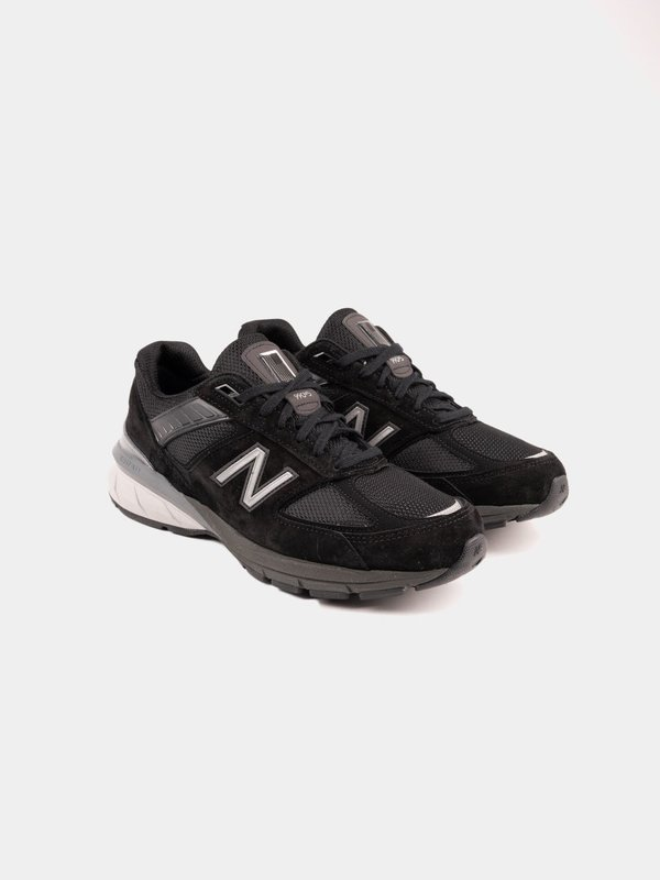 new arrival e7532 79c35 New Balance 990 Sneakers - Black