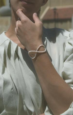 Saskia Diez Pearl Infinity Bracelet - sterling silver