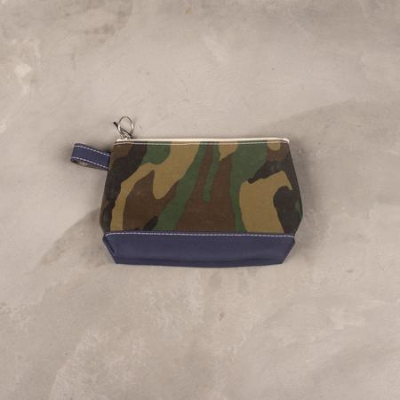 Tembea Medium Toiletry Bag - New Woodland Camo Print /Dk. Navy
