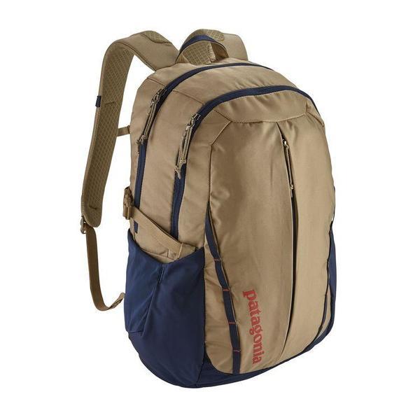 Unisex Patagonia Refugio Backpack 28L Backpack - Mojave Khaki/Classic Navy