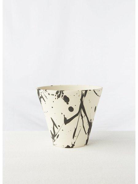 BTW Ceramics Torrent Planter - White