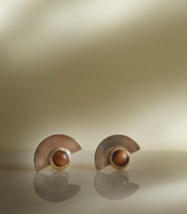 MAAARI TIGER EYE LUNAR BBS earring
