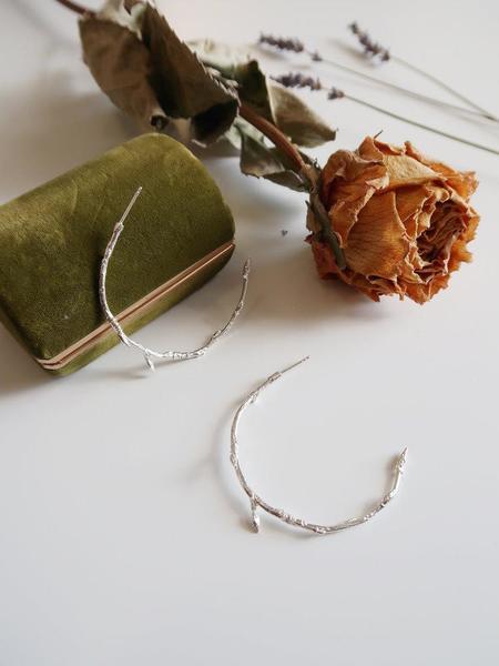 Invidiosa Jewelry Branch Hoop Earrings - Silver