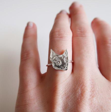 Invidiosa Jewelry Tiny Cat Head Ring - Silver