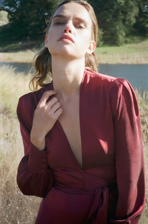 Kamperett ADELAIDE MAXI WRAP DRESS - BURGUNDY