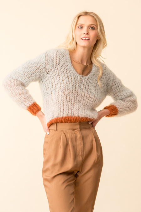 Maiami Mohair V-Neck Colour-Blocking Sweater - Ice Blue/Copper