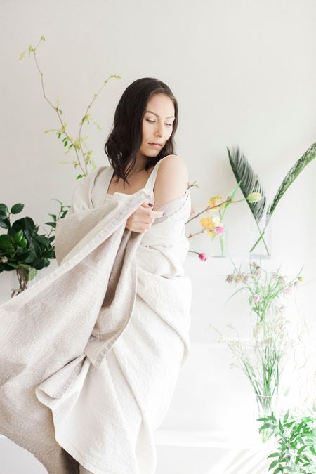 Anara Rise Throw