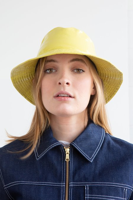 Grevi Patent Bucket Hat - Yellow