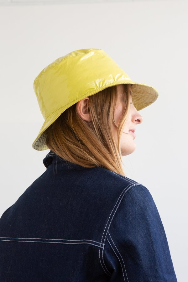 Grevi Patent Bucket Hat - Yellow