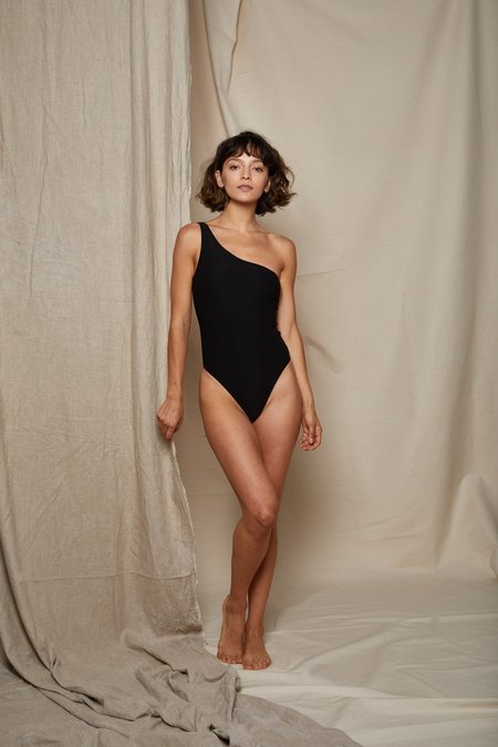 ARIELLE BALANCE SWIMSUIT - BLACK