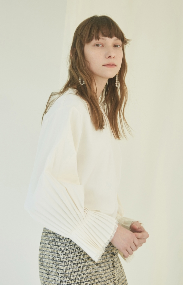 NUVO.10 Pleated Sleeve Blouse - IVORY
