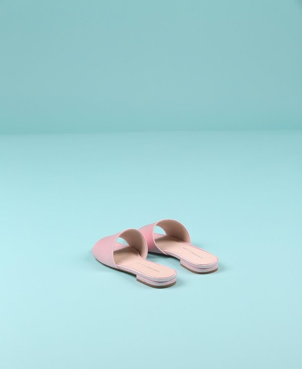 """INTENTIONALLY __________."" Jessica Sandal"