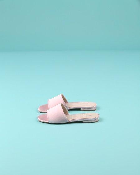 """INTENTIONALLY __________."" Jessica Sandal - Pink"