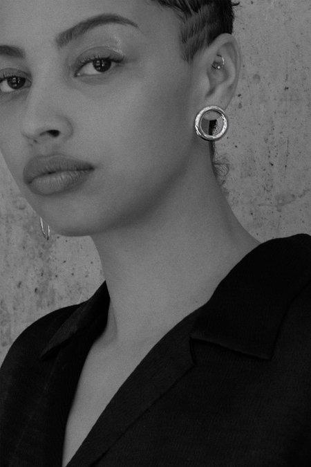 Alta Ora Circle Curve Earrings - Silver