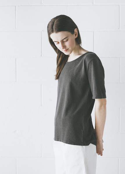 Black Crane - Back Seam Short Sleeve in Charcoal