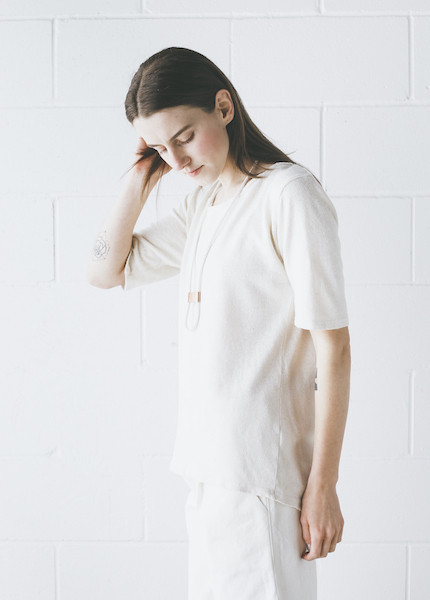 Black Crane - Back Seam Short Sleeve in Cream
