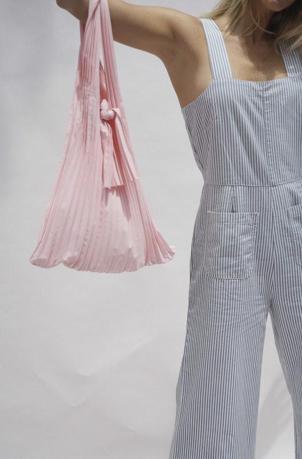 Bird on A WIRE Pleated Cotton Tote - Powder Pink