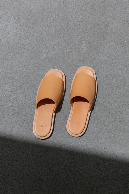 BUILDING BLOCK ISSEI SLIDE - VEG TAN