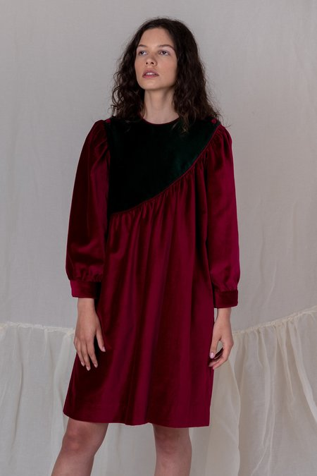 BATSHEVA SASH VELVET DRESS - red/green