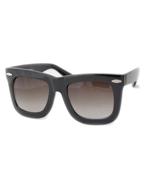 AltHouse Oversized Sunnies