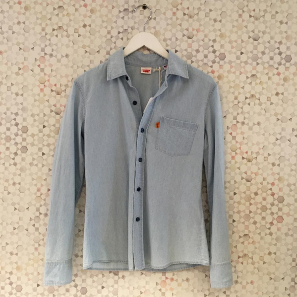Darling Vintage Levi's Button Up Chambray Top