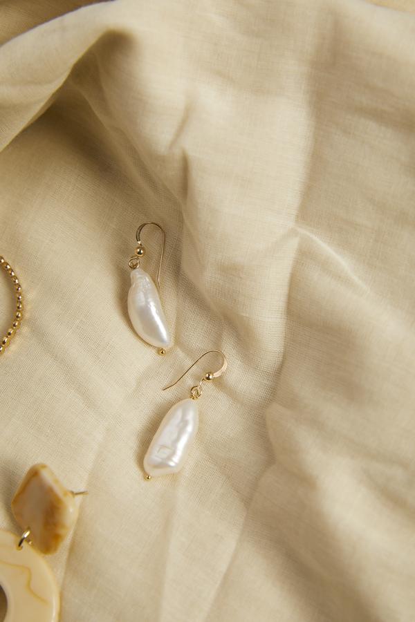 Thesis of Alexandria Fresh Water Pearl Drop Earrings