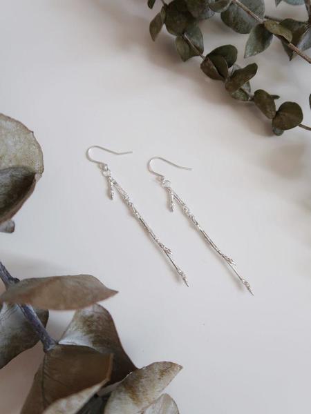 Invidiosa Jewelry Branch Dangling Earrings - Silver