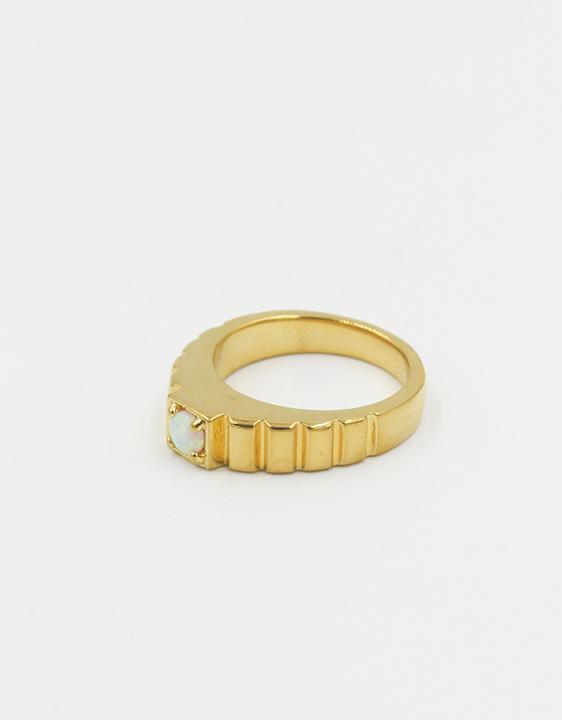 Tuza Pyramid Opal Prong Set Ring