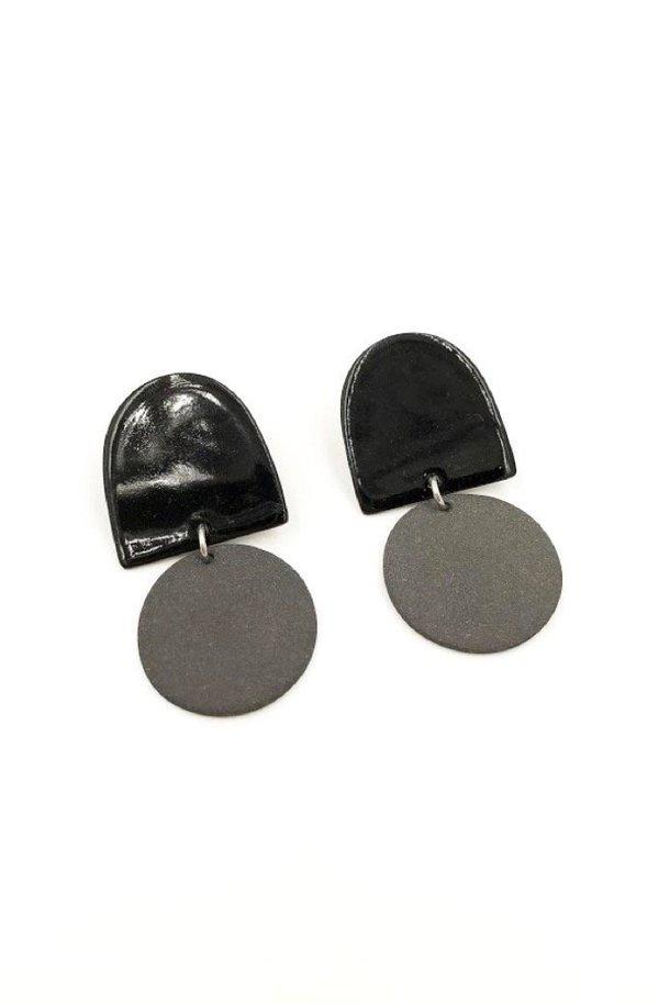 Four Eyes Ceramics Dome Earrings - Black