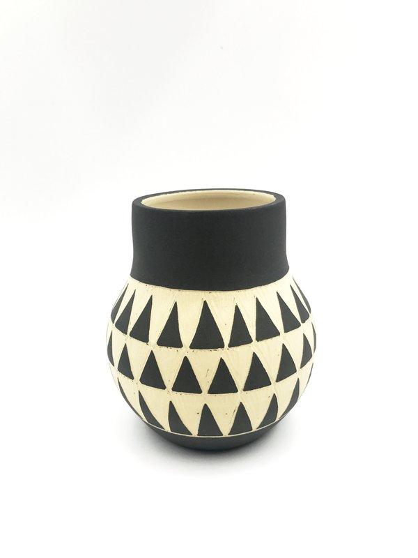 Yiyi Native Vase
